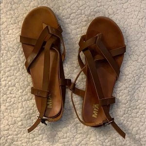 NWOB Girl Mia Delphina Brown Strappy Sandals